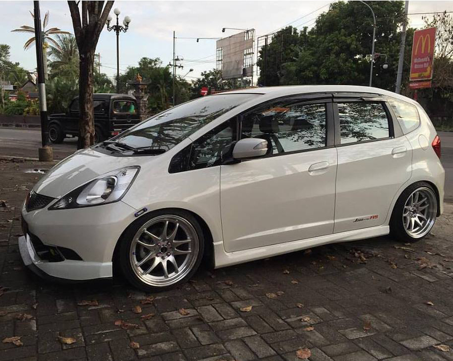 CR-K 17x8,0-9,0 8x100-114,3 focus auto design-lombok