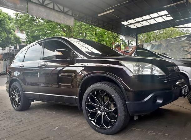 Model : M10  Size : • 20x8.5 | 10x114.3/127  By JF Luxury