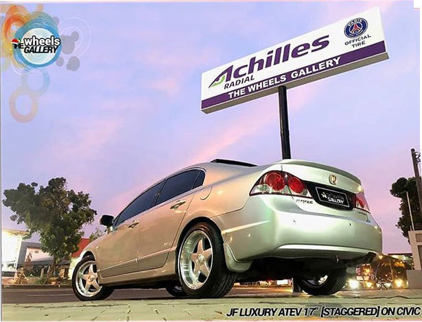 """Modified by : @thewheelsgallery  Atev 17"""" (Staggered) On #hondacivicfd"""
