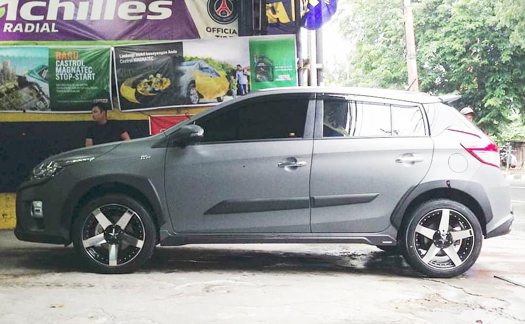 Model : ROCK STAR CAR  Size : 17x7.5  By JF Luxury
