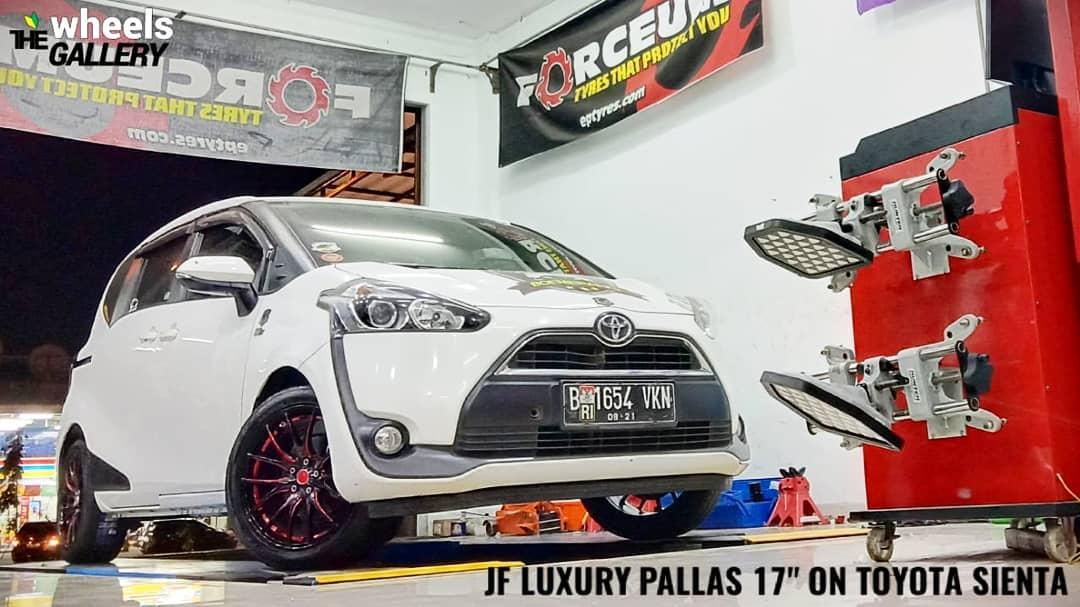 Jf luxury pallas 17x7.5| 5X100| +40  With @falken 914 205/50/17