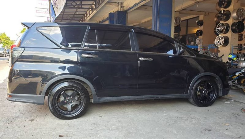 Toyota Kijang Innova On GT5 Matte Black 18x8.5/9.5 5x11.4 3 By JF Luxury