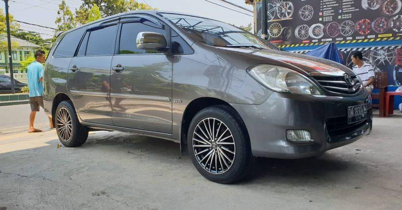 Toyota Kijang Innova On Majorca Black Machine Face 17x7.5 5x114.3