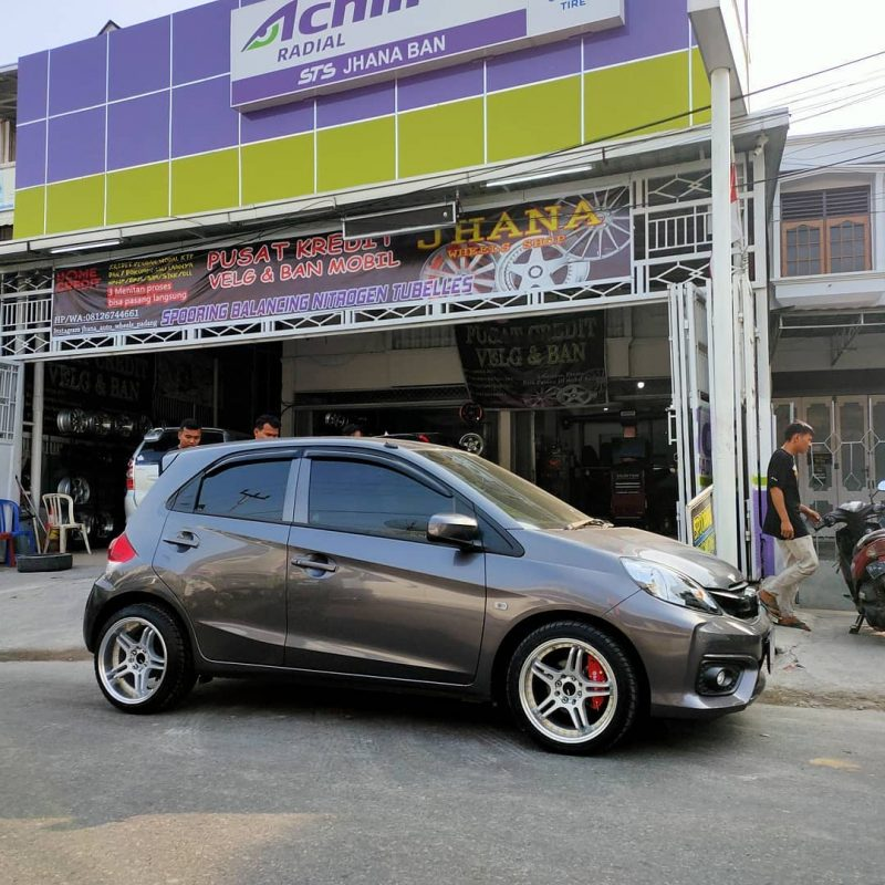 Honda Brio On SPX Silver Machine Face/Lip/Gold Rivets 15x7.0/8.5 8x100/114.3 By JF Luxury