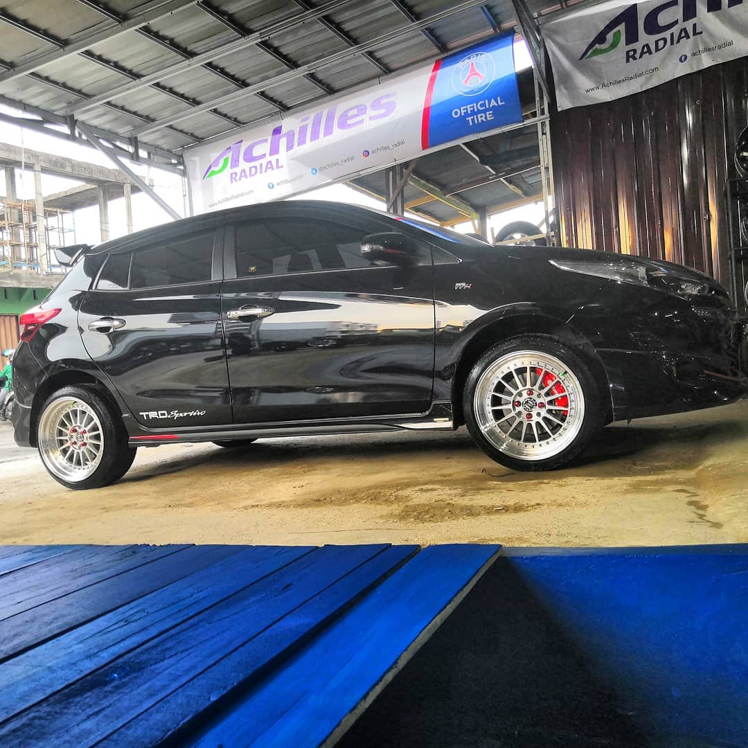 Toyota Yaris On SEVEN 17x8.0/9.0 8x100/114.3 By JF Luxury Wheels