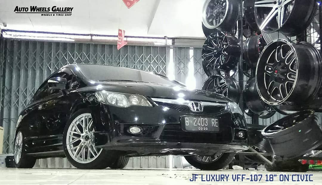 Honda Civic On VFF-107 Silver Machine Face 18x8.0 5x114.3 By JF Luxury