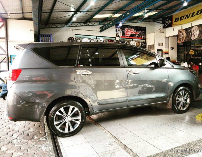 Toyota KIjang Innova On Oem NX200 18x7.5 5x114.3 +45