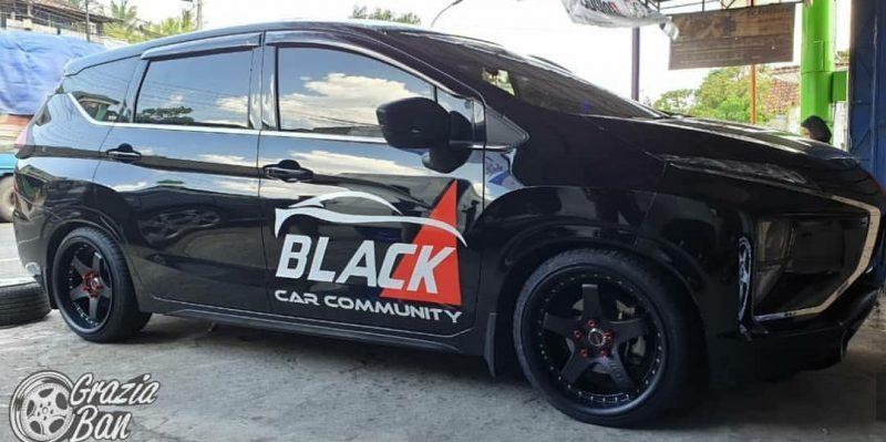 Mitsubishi Xpander On GT5 Matte Black/Chrome Rivets 18x8.5/9.5 5x114.3 +35 +30 By JF Luxury Wheels