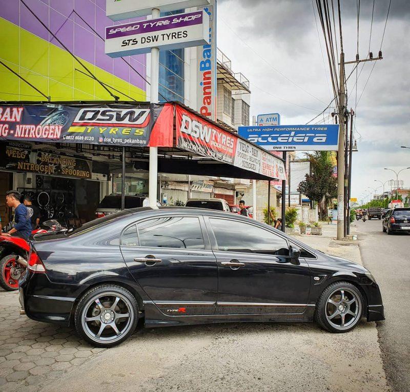 Honda Civic On TYPE-C RS Matt Gunmetal 18x8.5/9.5 5x114.3  +38 +35 By JF Luxury WHeels