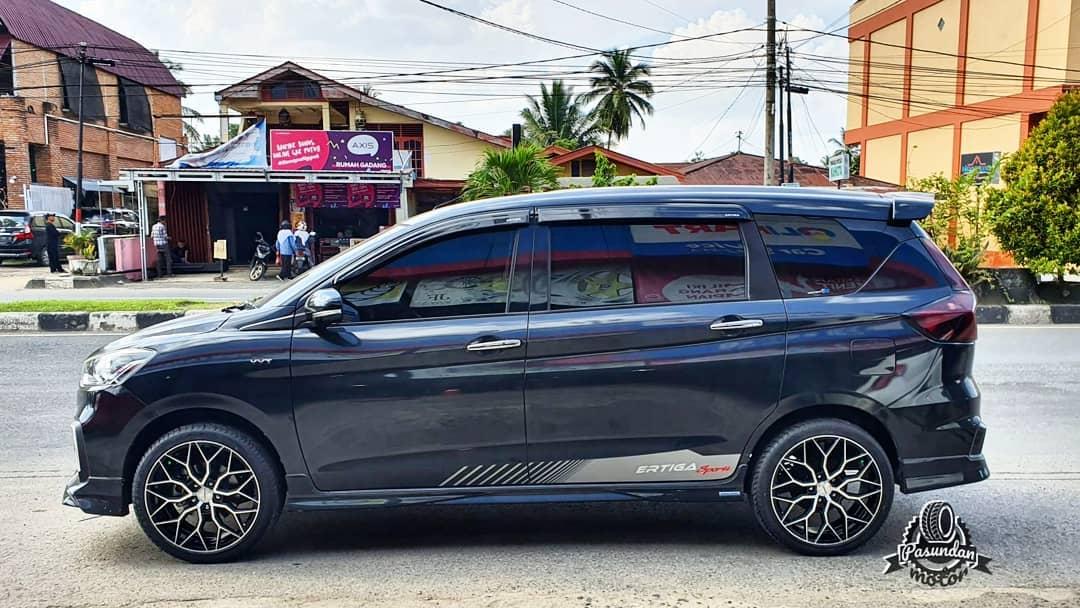 Suzuki Ertiga On HF-2 Black Machine Face 18x8.0/8.0 5x114.3  +45 +35