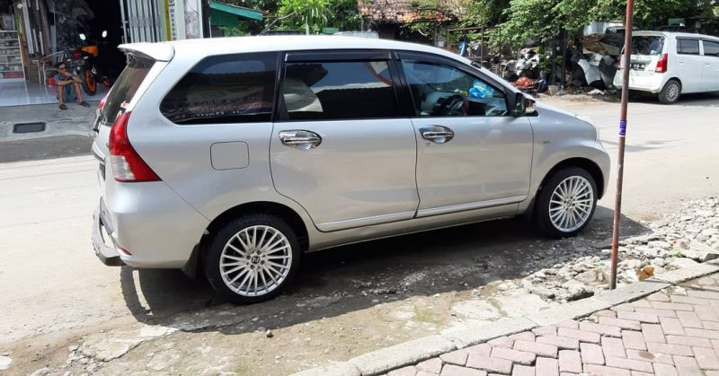 Toyota Avanza On MAJORCA Silver Machine Face 17x7.5 8x100/114.3 +42 By JF Luxury Wheels