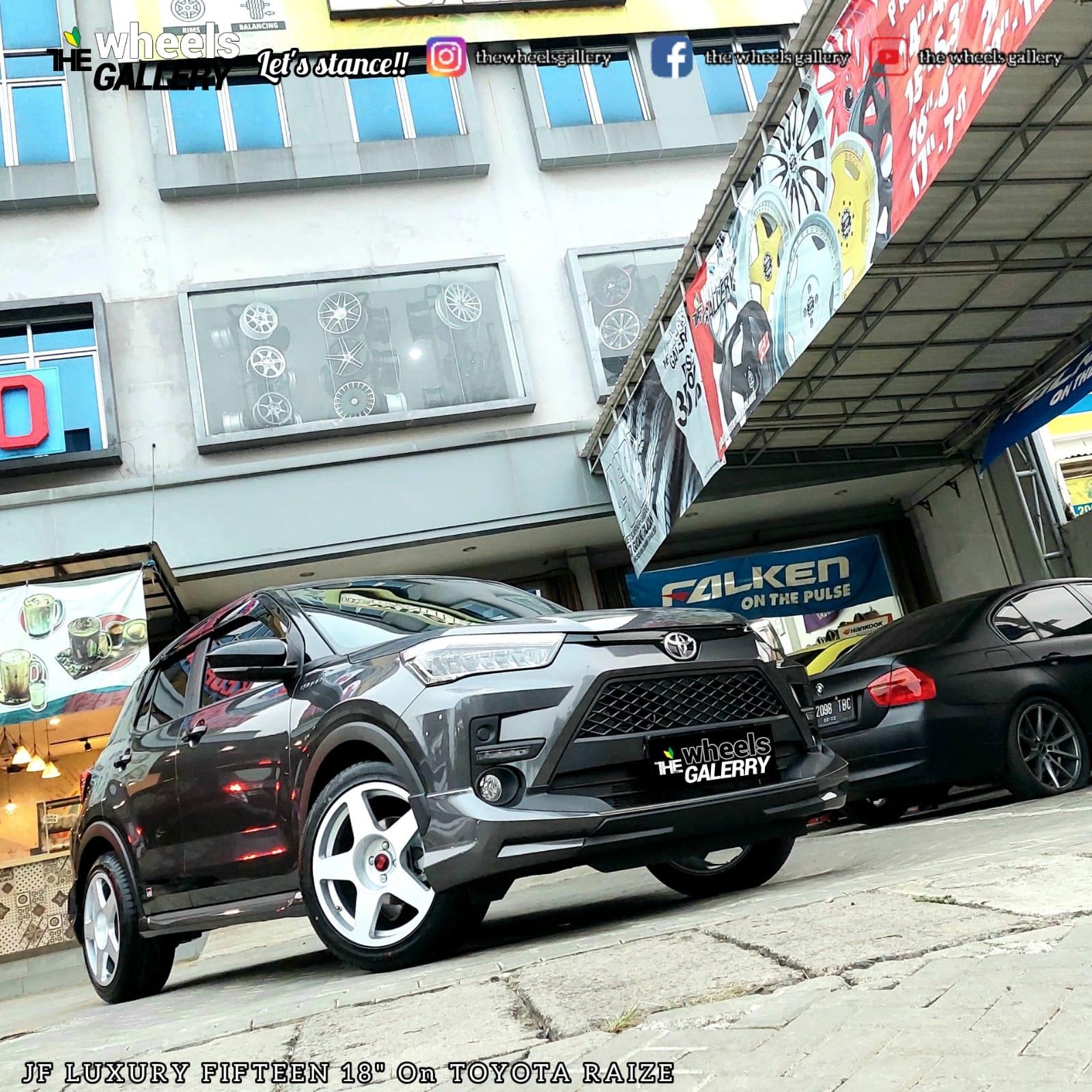 Toyota Raize Use FIFTEEN52 18x8.5 4x100 +40
